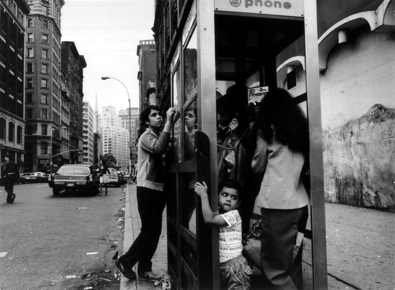 Engel 70s familyinphonebooth
