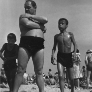 Man with two boys, Coney Island, NYC, 1938